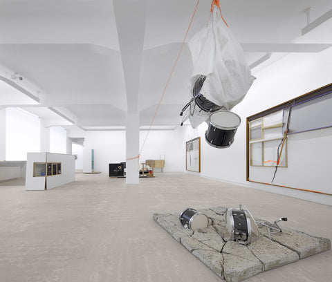 Joris Van de Moortel, Like a hurricane (you are like), Installation view, 2010, Galerie Michael Janssen Berlin