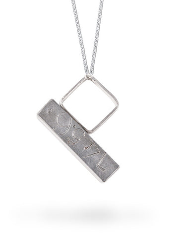145.60 Street Art Inspired Silver Necklace Ring Set