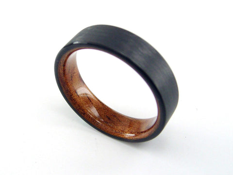 Carbon Fiber Ring with Hawaiian Koa Bent Wood Interior - hersteller