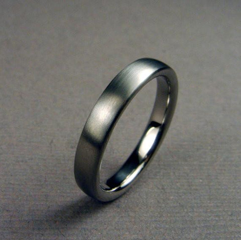 Domed Titanium Wedding Band - Satin Exterior - hersteller