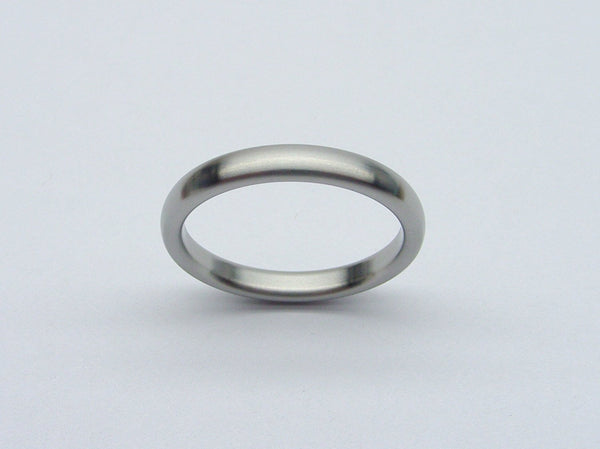 Narrow and Domed Womens Wedding Band in Brushed Titanium - hersteller