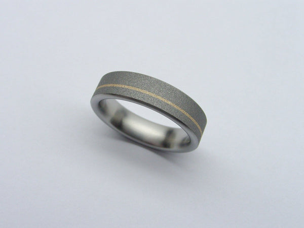 Titanium Band in Gray and Matte Gold - hersteller