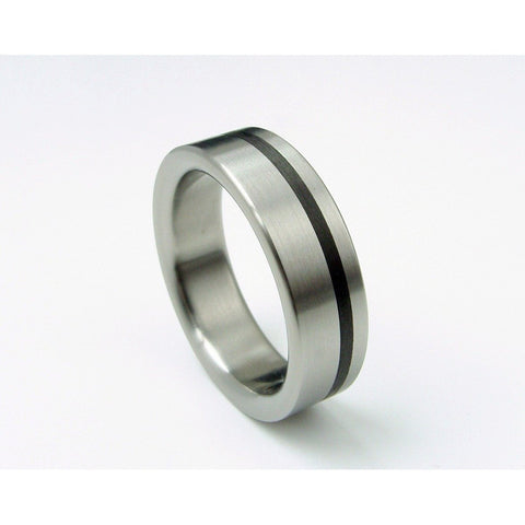 Titanium Ring with an Offset Black Carbon Stripe and Satin Finish - hersteller