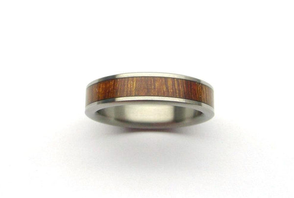 Titanium Ring with Desert Ironwood Exterior - hersteller