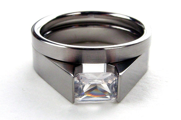 Titanium Tension Set with White Sapphire Stone - Engagement Ring Set - hersteller
