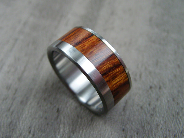 Wood and Titanium Mens Wedding Ring -- Wide Offset Rosewood Stripe - hersteller