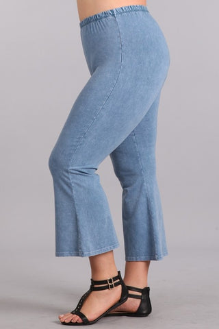 Chatoyant Plus Size Mineral Washed Crop Flare Lt. Denim