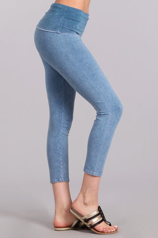 Mineral Wash Fold Over Waist Capris Lt. Denim