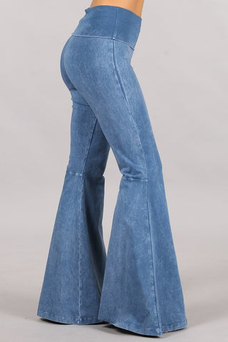 Chatoyant Mineral Wash Seam Detail Bell Bottoms Lt. Denim