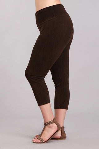 Chatoyant Plus Size Mineral Wash Capris Brown