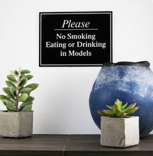 "8"" x 6"" No Smoking Eating or Drinking in Models Plaque"