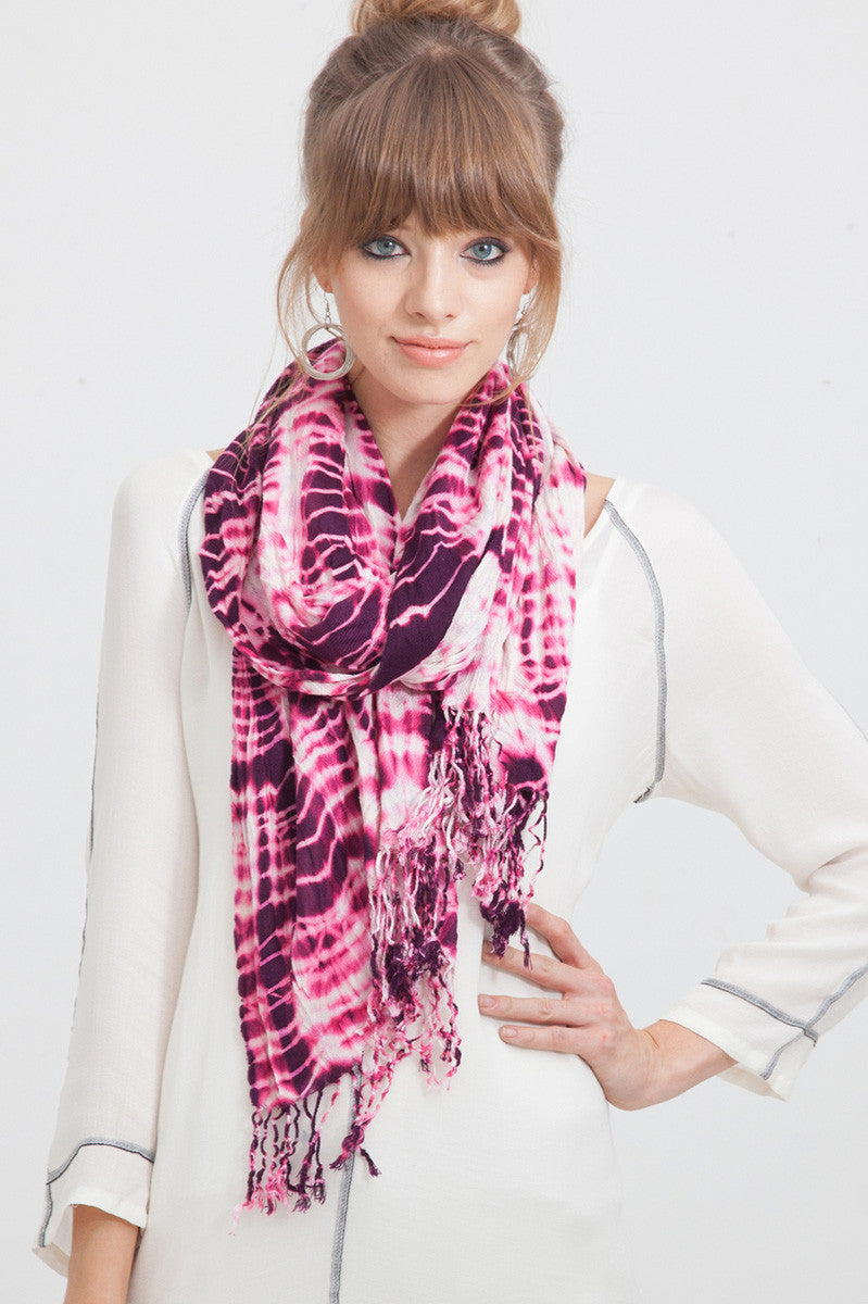 Alligator Crinkle Scarf in Cranberry
