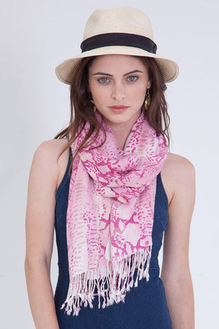 Alligator Crinkle Scarf in Pink