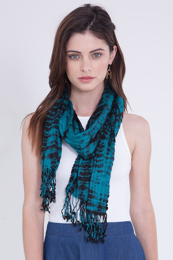 ALLIGATOR CRINKLE SCARF / SARONG IN AQUA