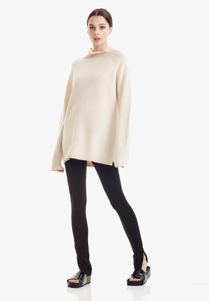 WOOL / CASHMERE FUNNEL KNIT, SAND