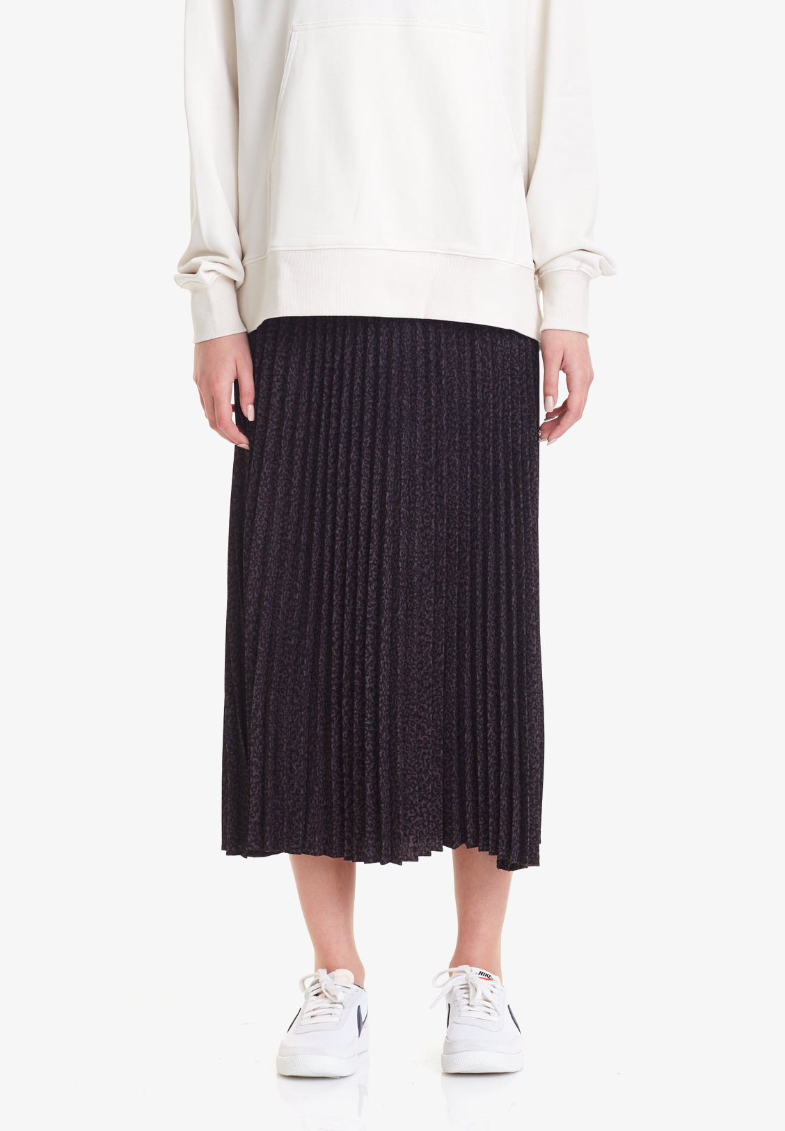 PLEATED SKIRT, CHARCOAL PRINT