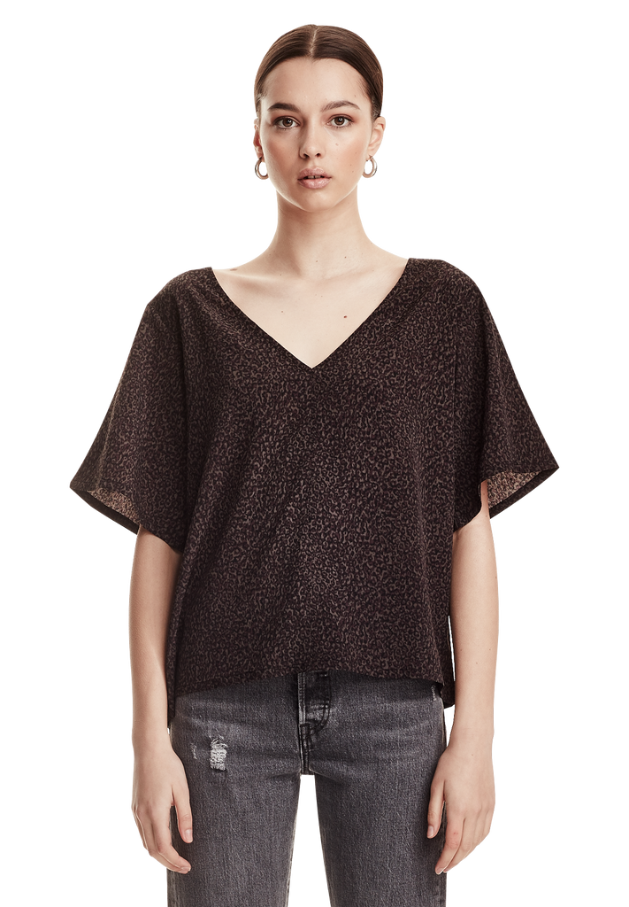 WOMENS V-NECK WOVEN TEE, CHARCOAL