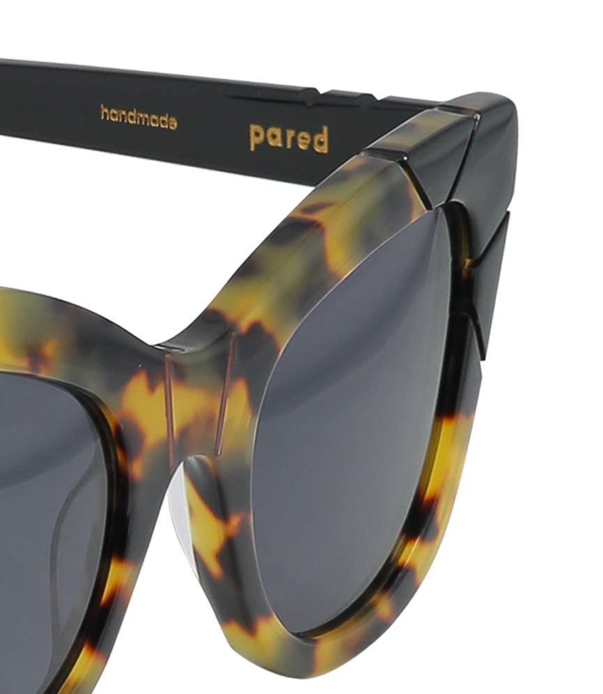 Pared Puss & Boots Dark Tortoise / Black Sunglasses