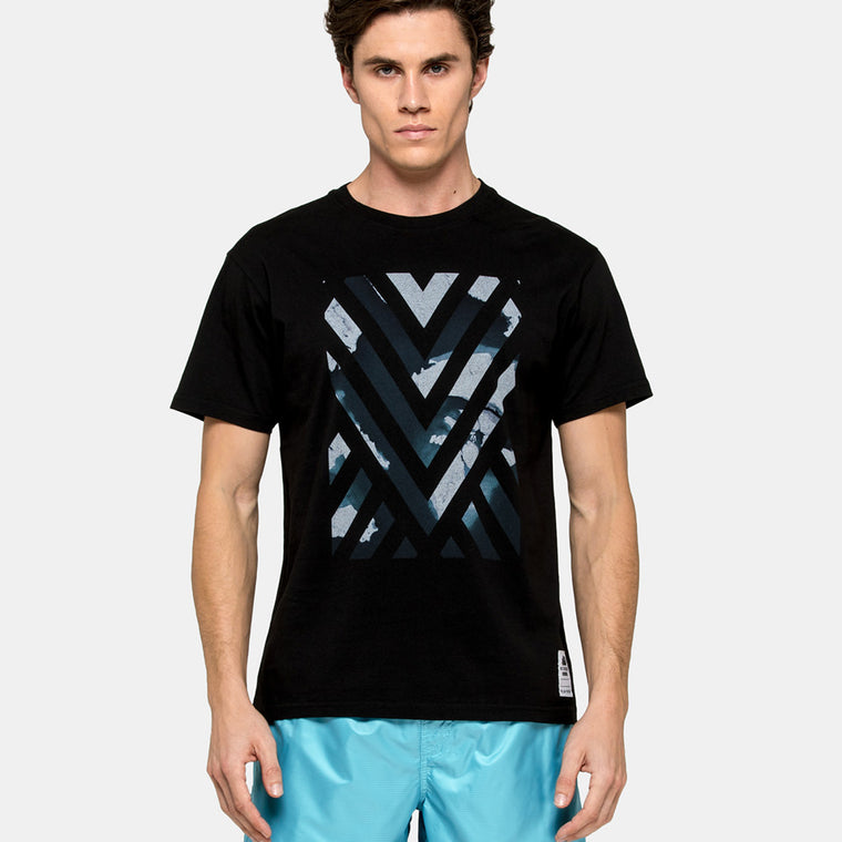 men's geometric print t shirt back