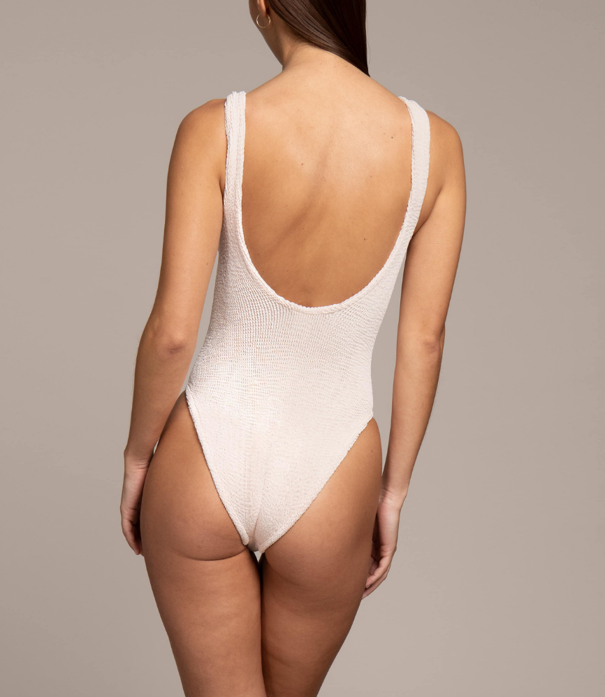 Domino One Piece Nude