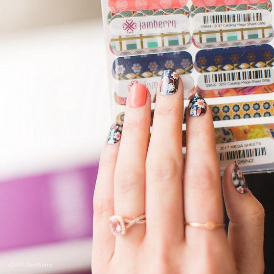 LOYALTY REWARD Jamberry Accent Nails and Application Pack