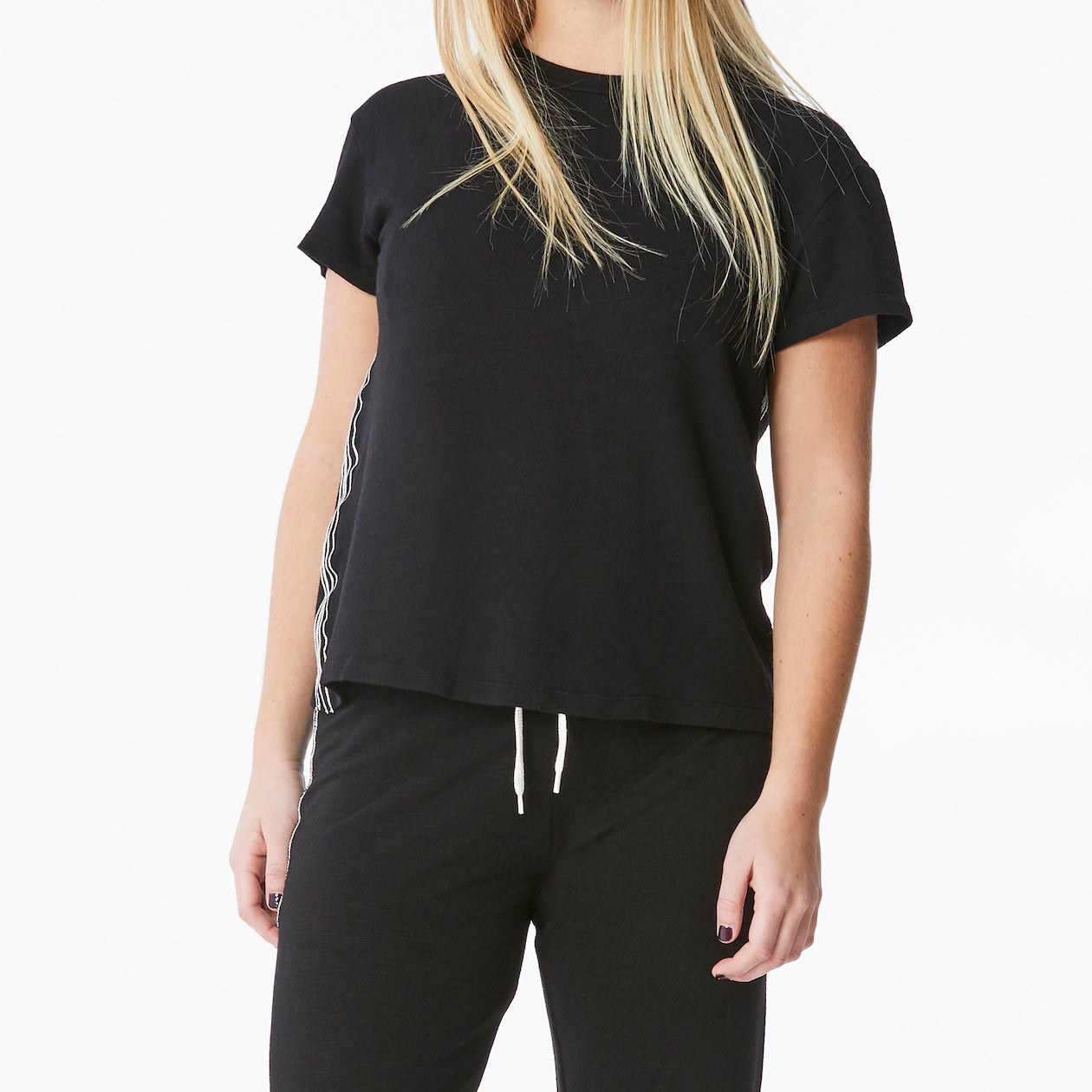 Monrow – Supersoft Contrast Stitch Crew in Black