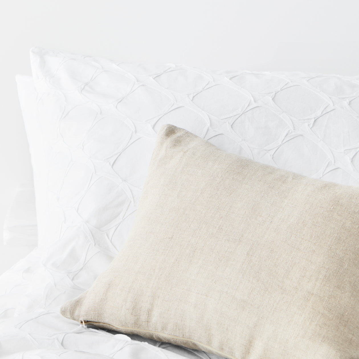 textured cotton shams white circle