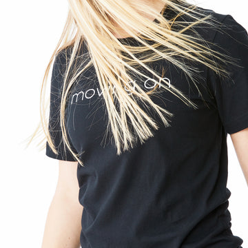 c'est beau1872 – Moving On Logo Tshirt in Black