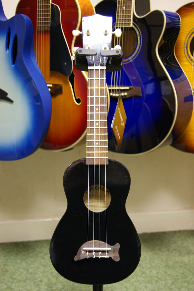 Ukulele by Makala soprano model in Black Sparkle finish with Dolphin bridge