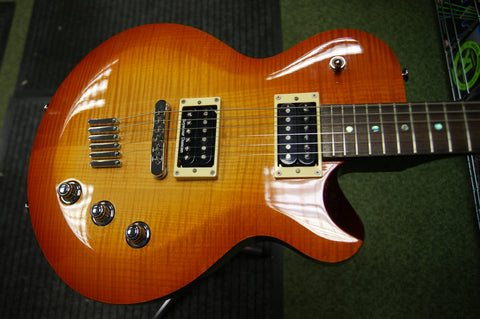 Yamaha AES620 electric guitar in honeyburst - made in Korea S/H