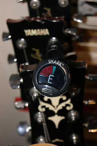 Snark SN-5X clip-on chromatic instrument tuner