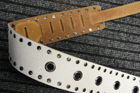 Guitar strap white leather TGS661B by TGI