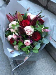 142.13 Lillies & Roses Bouquet