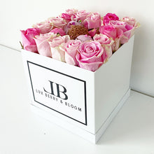 Load image into Gallery viewer, Roses and Berries Grande Box