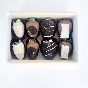 Cookies and Cream Chocolate Strawberries Small