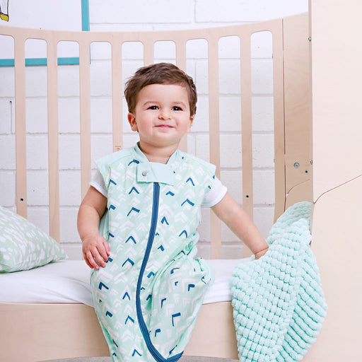 ergoPouch - 0.3 tog Baby Sleeping Bag Sheeting Organic Cotton Mountains