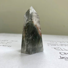 Load image into Gallery viewer, Lodalite Garden Quartz Point