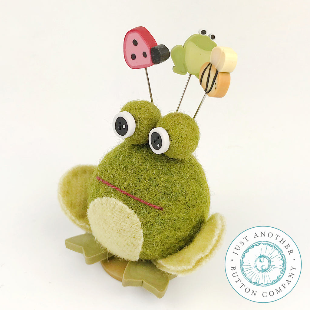Button Buddy - Fiona Frog - PDF Pattern
