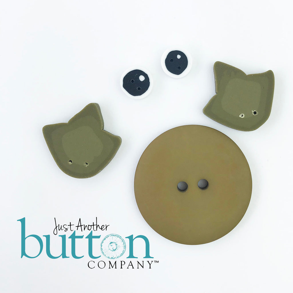 Fiona Frog Button Buddy
