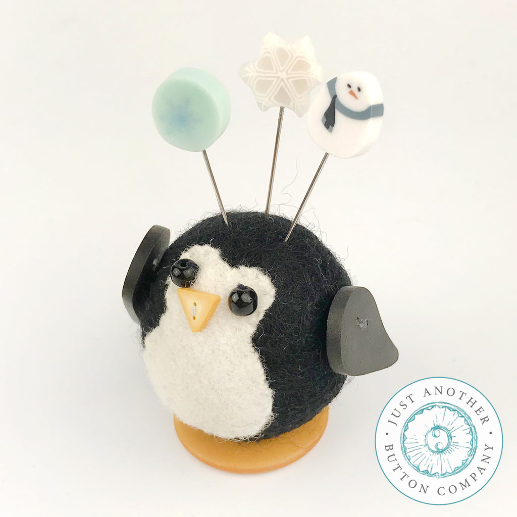 Button Buddy - Penny Penguin - PDF Pattern