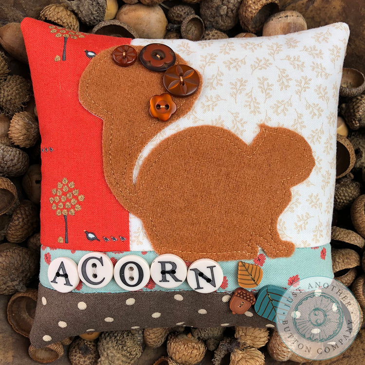 Acorn Button Appliqué Pillow Pattern PDF