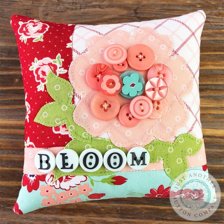 Bloom Button Appliqué Pillow Pattern PDF