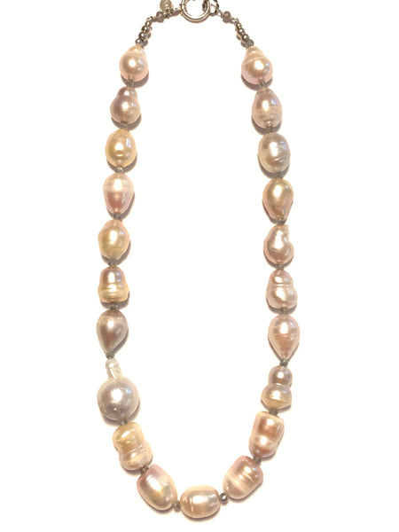 Solid Design Studios Peach Freshwater Pearl Necklace With Labradorite