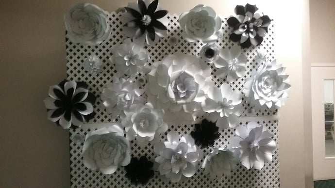 Lattice Backdrop with Paper Flowers