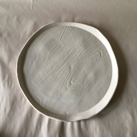 "8.5"" White Faux Bois Rustic Pressed Plate"