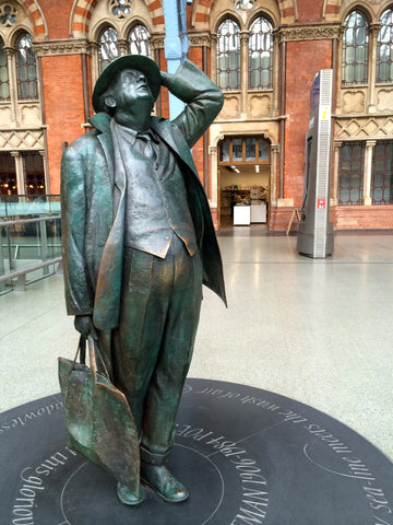 Sir John Betjeman statue at St Pancras Station