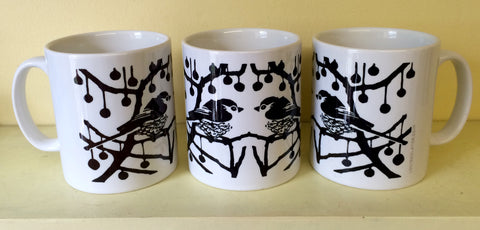 Black & white long tail ceramic mugs