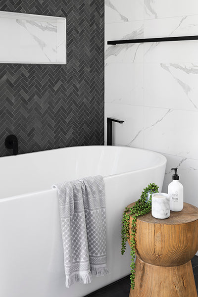 Bathtub | Mastering the Art of the Staycation | Julieta | The most comfortable heels ever.