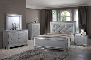 Tinley Silver Finish Diamond Tufted Bedroom Set 5 Pcs with Led Lights Alligator Texture w/Chest (Queen) - EK CHIC HOME