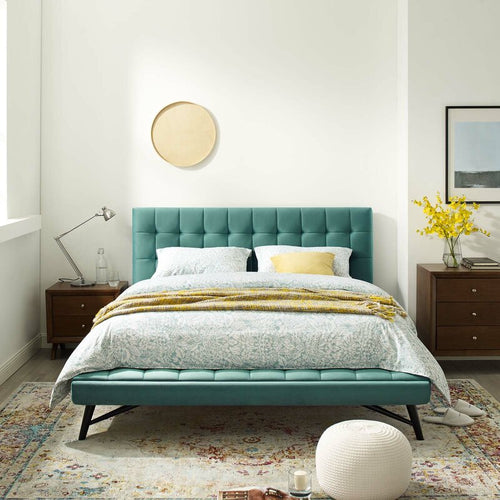 Biscuit Tufted Queen Upholstered Platform Bed